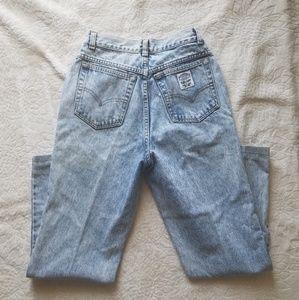 Levi Vintage Light Wash Mom Jeans